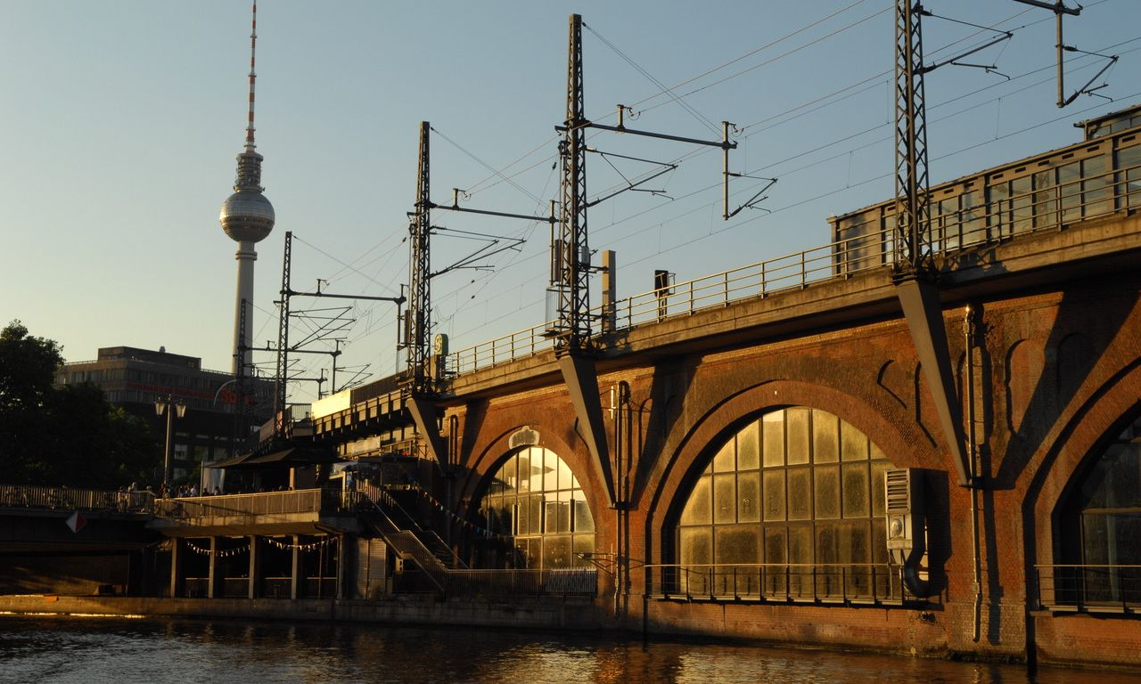 Classik Hotel Collection Berliner Fernsehturm aus Richtung Jannowitzsbrücke