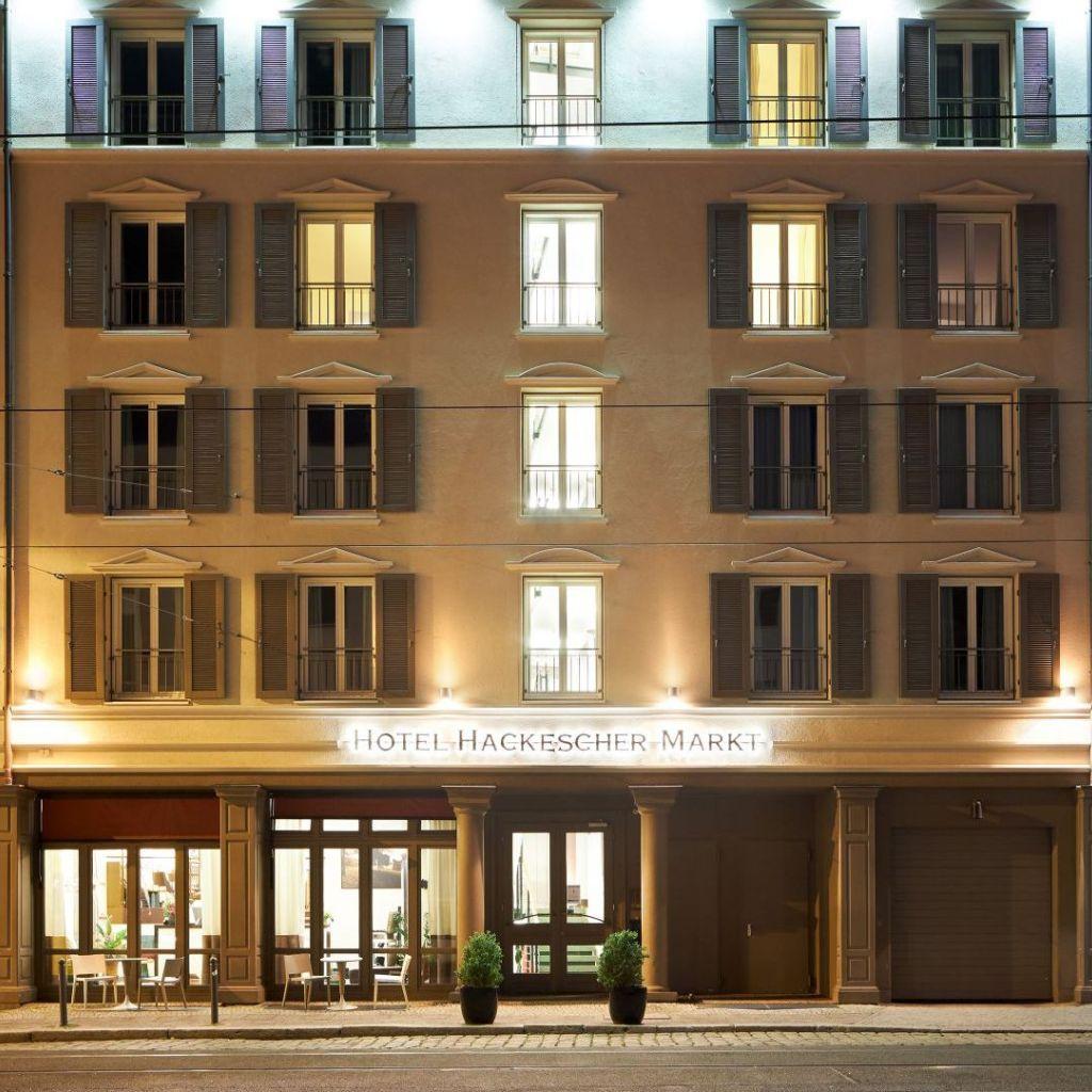 Classik-Hotel-Collection-Hackescher-Markt-Front-View-Night 1024x1024