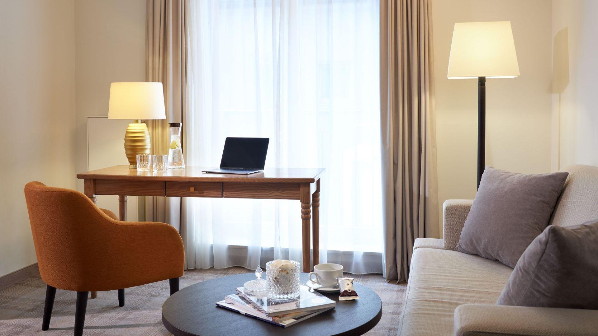 Classik-Hotel-Collection-Hackescher-Markt-Room-L-Living-Room