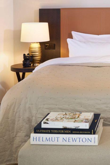 Classik-Hotel-Collection-Hackescher-Markt-Room-S-M-L-Bed 467x700