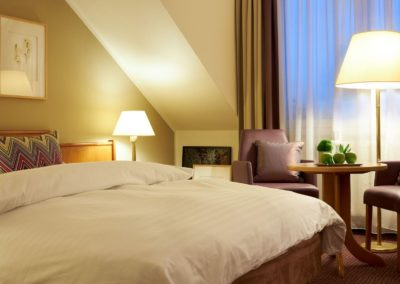 Classik-Hotel-Collection-Magdeburg-Bedroom-Comfort-Room-01-Night-Web