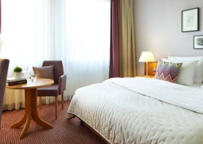 Classik-Hotel-Collection-Magdeburg-Bedroom-Standard-Room-01-Web