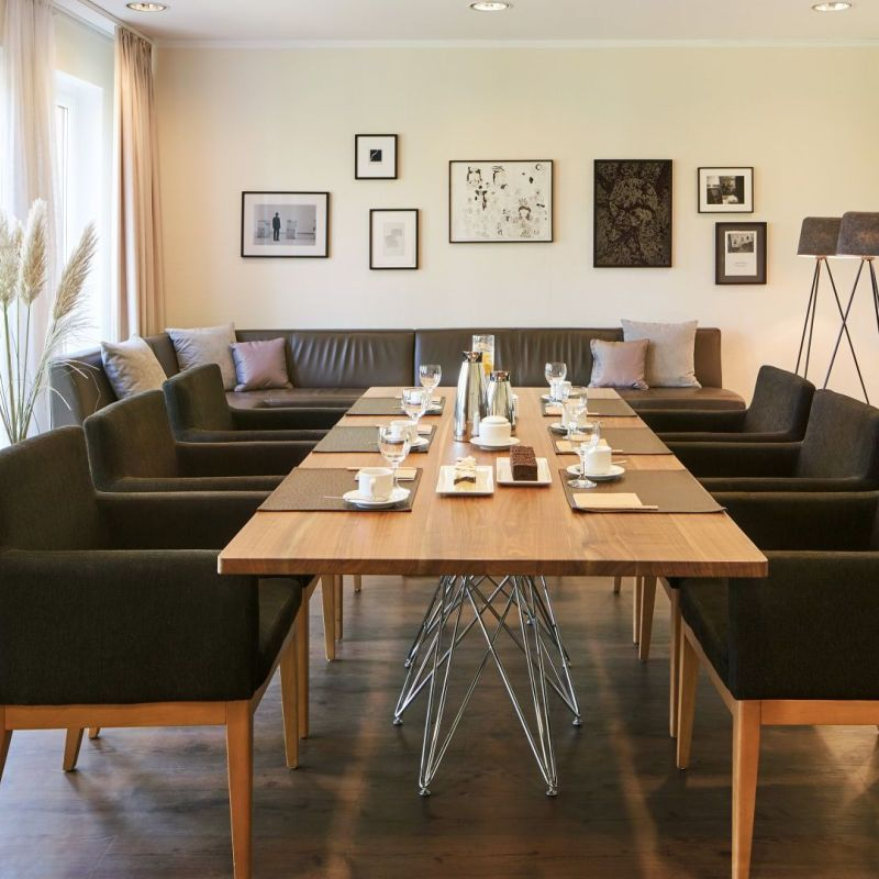 Classik-Hotel-Collection-Magdeburg-Meetingraum 800x800