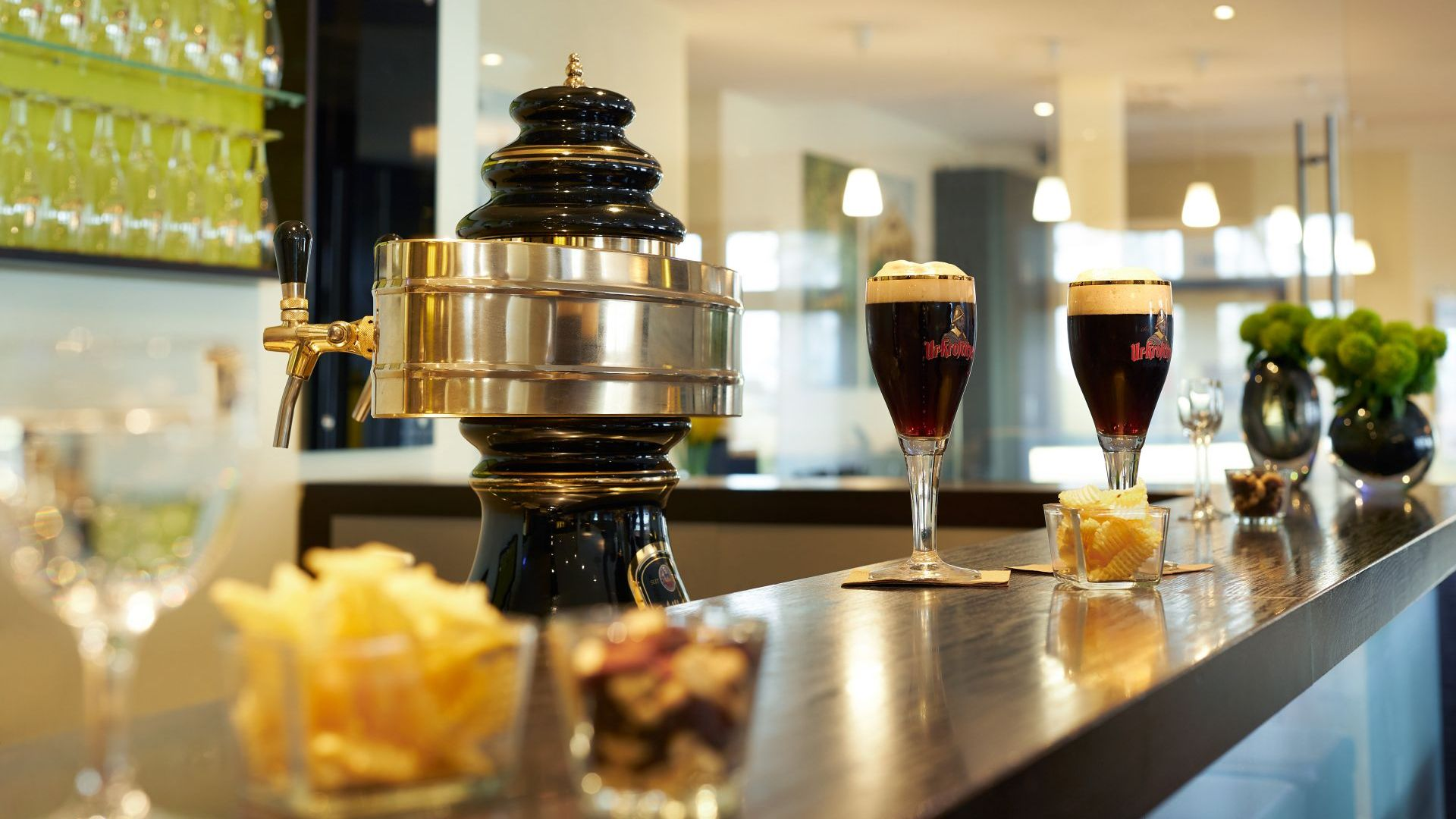 Classik-Hotel-Collection-Magdeburg-Restaurant-Drinks-Beer-Afternoon-Web