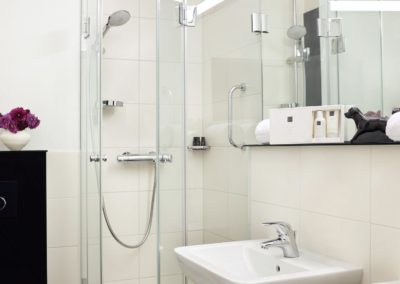 Classik-Hotel-Collection-Munich-Martinshof-Bathroom-02-Web
