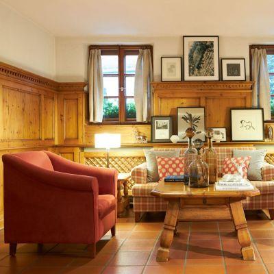 Classik-Hotel-Collection-Munich-Martinshof-Lobby-Web 400x400