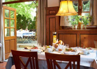 Classik-Hotel-Collection-Munich-Martinshof-Restaurant-Breakfast-Day-Web