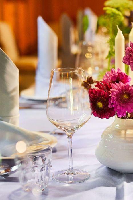 Classik-Hotel-Collection-Munich-Martinshof-Restaurant-Events-Day-Detail-Web 467x700