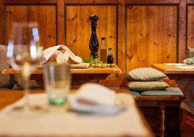 Classik-Hotel-Collection-Munich-Martinshof-Restaurant-Lunch-Day-Detail-02-Web