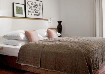 Classik-Hotel-Collection-Munich-Martinshof-Room-Comfort-Bedroom-01-Web