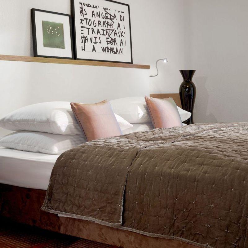 Classik-Hotel-Collection-Munich-Martinshof-Room-Comfort-Bedroom-01-Web 800x800