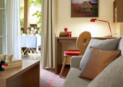 Classik-Hotel-Collection-Munich-Martinshof-Room-Comfort-Living-Room-Web