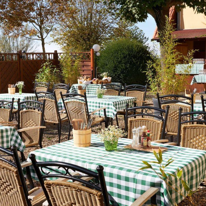 Classik-Hotel-Collection-Magdeburg-Restaurant-Draußen-06-Detail-Web